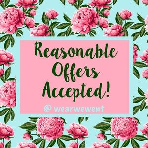 @wearwewent accepts reasonable offers!! ❤️😍